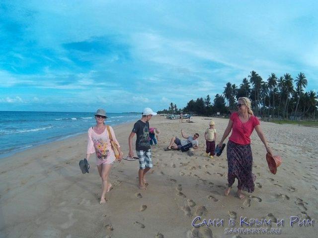 nilavelli-beach
