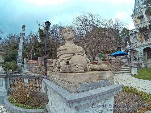 massandrovskij-dvorets-sfinksi