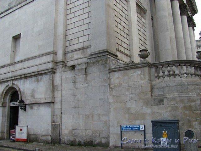 city-hall-dublin-vhod-s-ylici