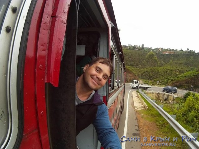 nuwara_eliya-train-window