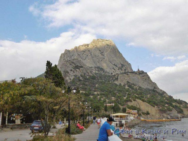 Вид на гору Сокол