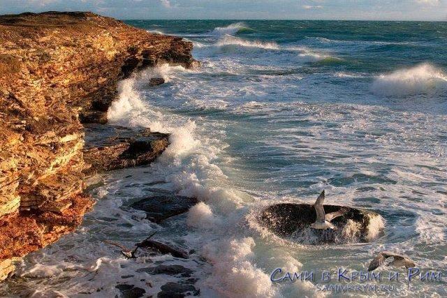 черное-море-и-скалы