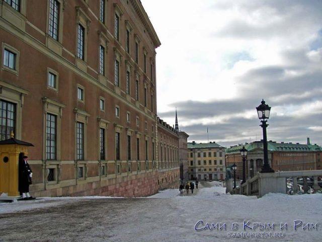 королевский-дворец-зимой