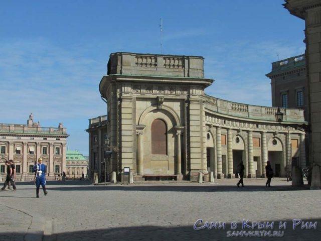 площадь-перед-дворцом