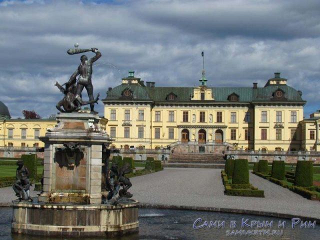 скульптурный-ансамбль-дворца