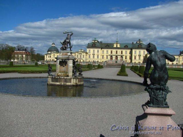 скульпутры-в-парке