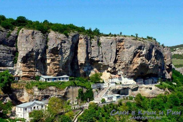 свято-успенский-монастырь