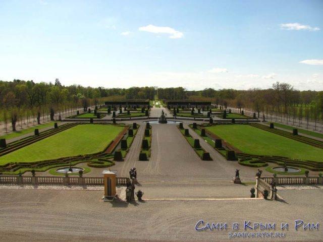 вид-на-парк-из-дворца