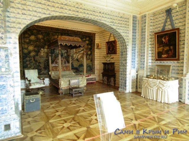 На-экскурсии-по-Меньшиковскому-дворцу