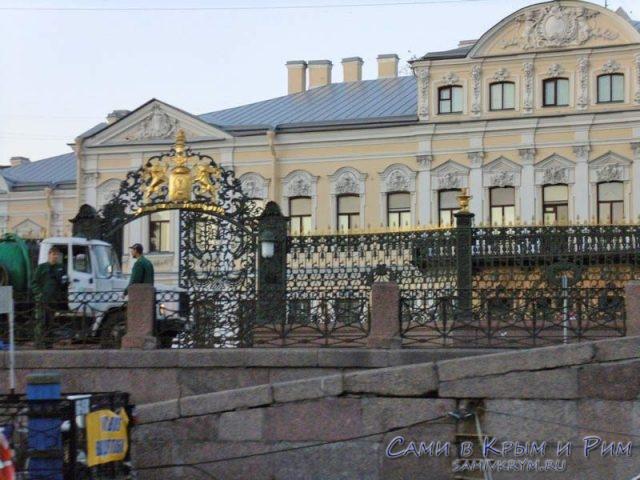 Шереметьевский-дворец