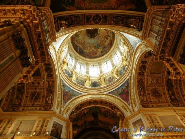 Внутри-Исаакиевского-собора