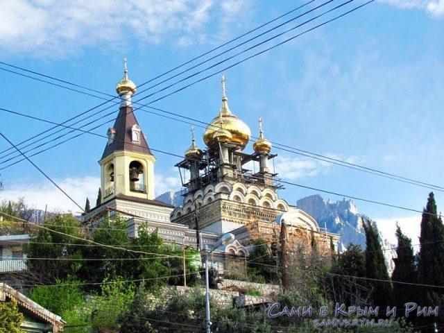 храм-в-Алупке