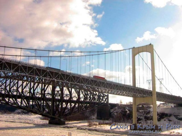 мост-через-реку-в-Канаде