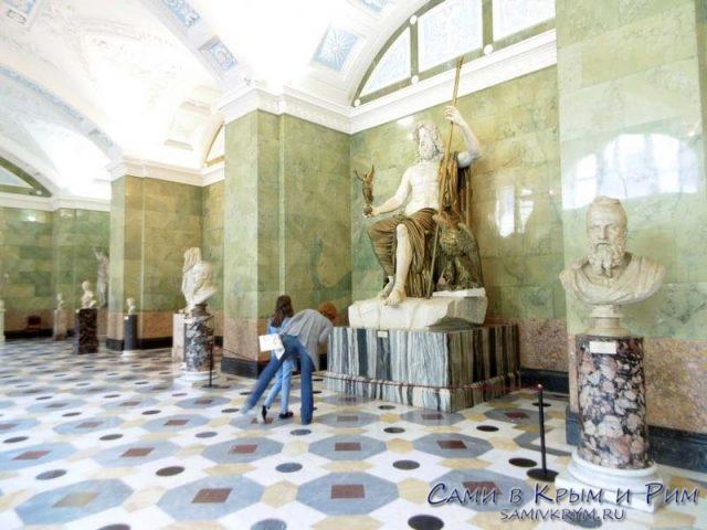 скульпутрный-зал