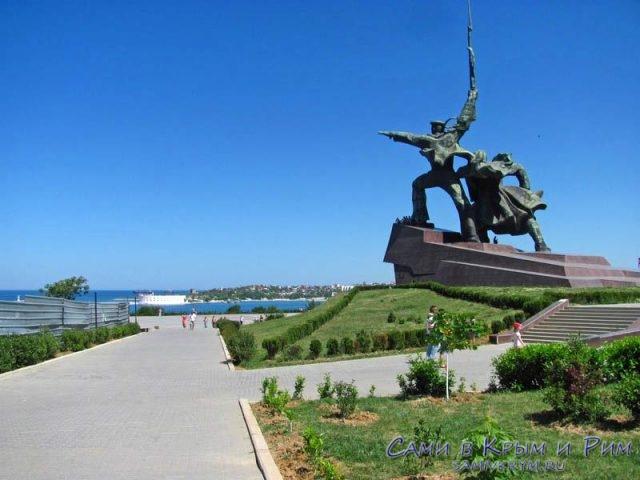 Памятник-солдату-и-матросу