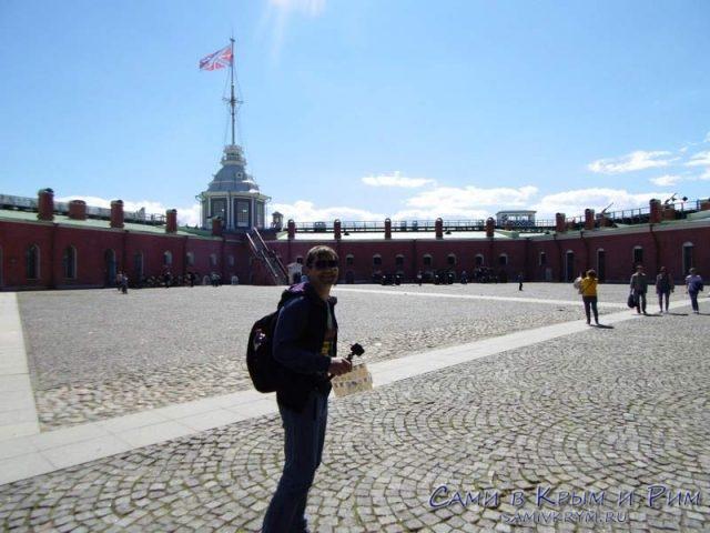 Площадь-посреди-крепости