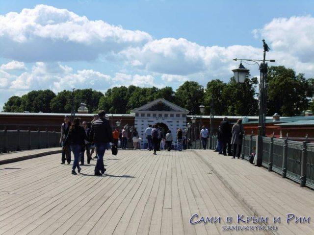 Вход-по-Иоановскому-мосту