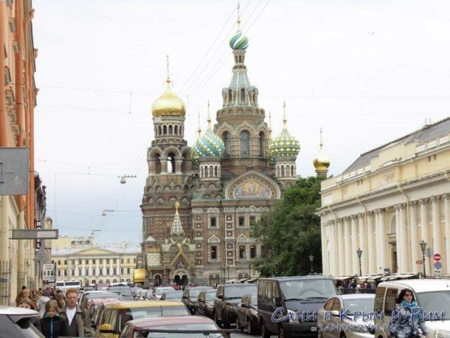 Вид-на-храм-с-канала-Грибоедова
