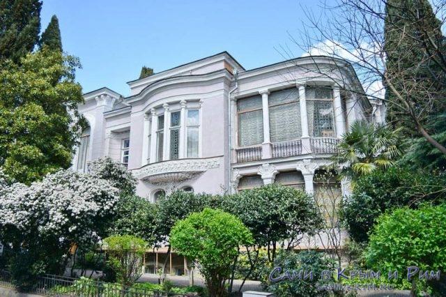 Историко-литературный-музей-Ялта
