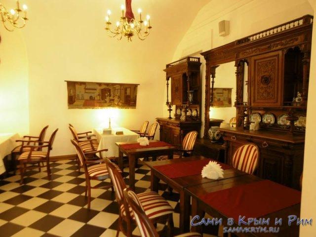 Кафе-в-Меньшиковском-дворце