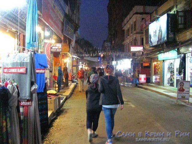 Шик-и-блеск-центарльных-улиц-Катманду