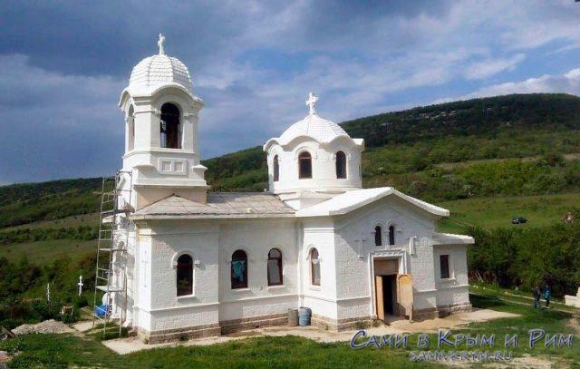 Храм-Святого-Луки