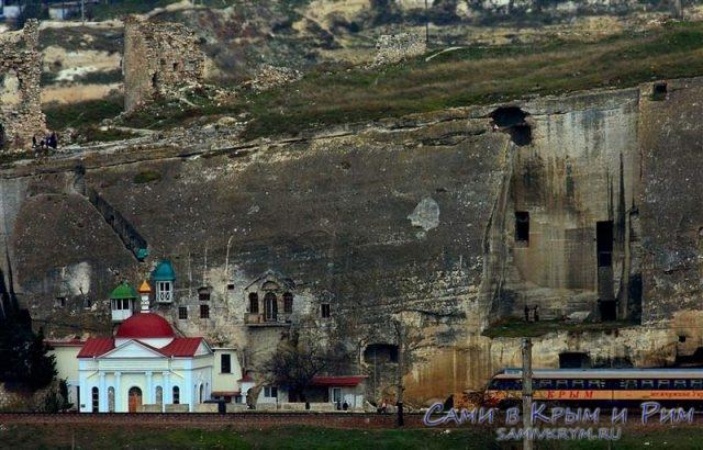 Свято-климентовский-монастырь