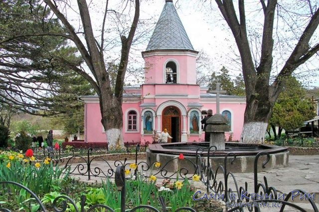 Топлоевский-монастырь