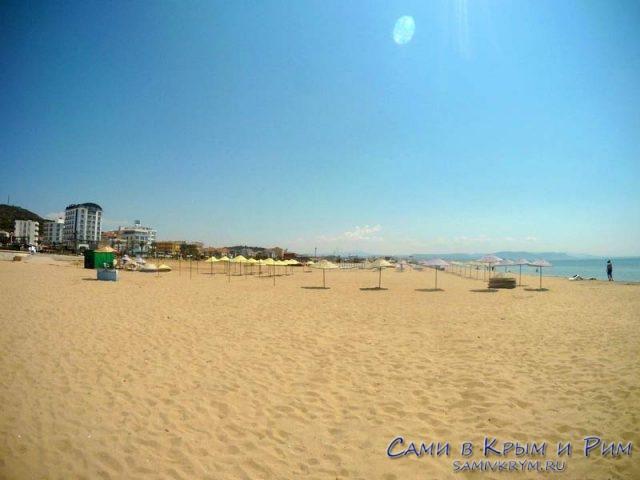 Песчаный-пляж-в-Айвелике