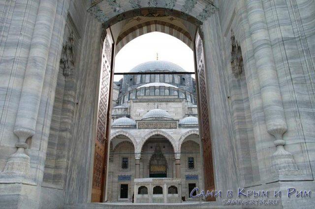 вход-в-голубую-мечеть