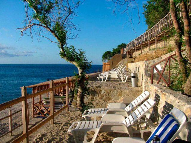 Частный-пляж-в-Крыму