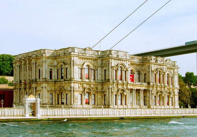 Дворец-Бейлербей
