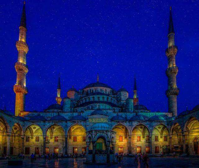 Голубая-мечеть-вечером