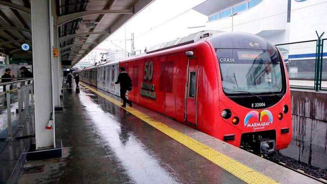 Мармарай-метропоезд