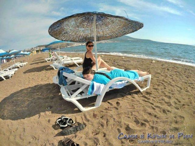 Пляж Дикили за лежаки деньги никто не берет!