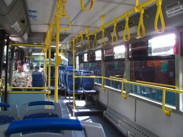 В-стамбульском-автобусе