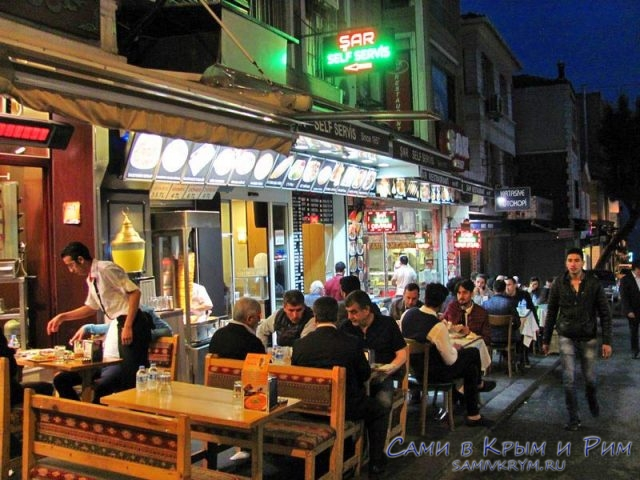 Вечерний аншлаг в кафе на Рамазан