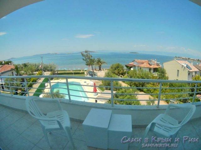 Вид-на-Эгейское-море-с-балкона