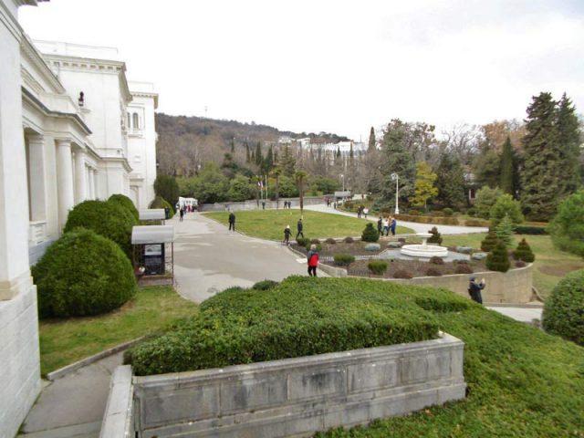 Вид-на-парк-с-террасы