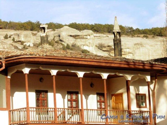 Ханский-дворец-вид-на-беседку