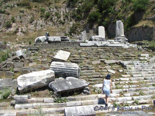 Храм-Деметры
