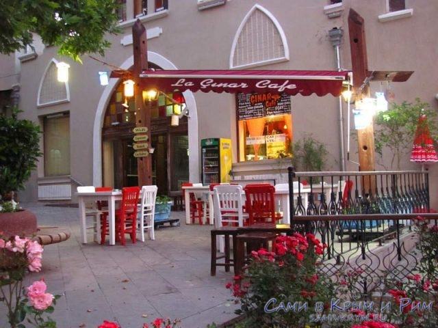 Кафе в Бергама возле базара