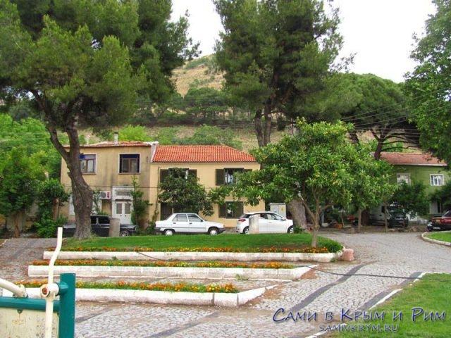 Наш отель у подножья Пергамона
