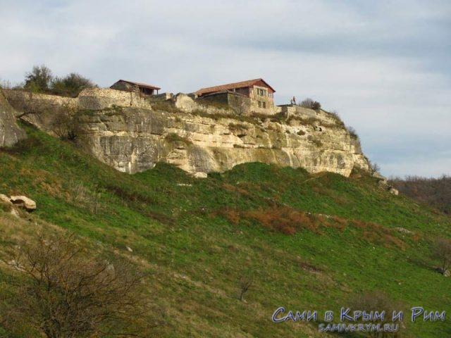 Пещерный город на горе