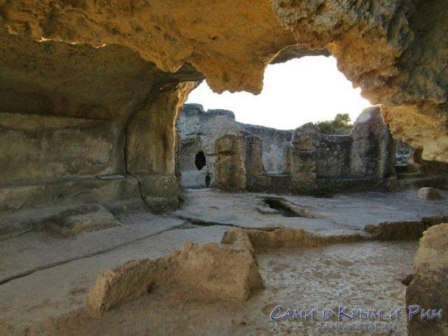 Прогулка по крепости Эски Кермен