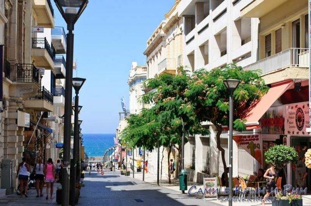Улицы-прибрежной-Греции
