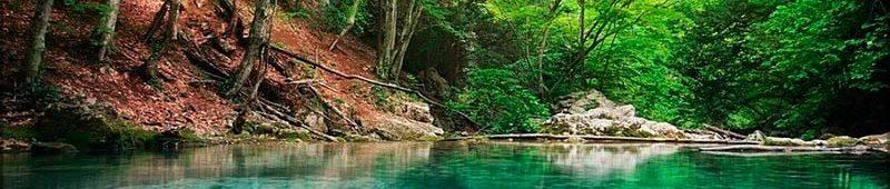Голубое озеро в Каньоне