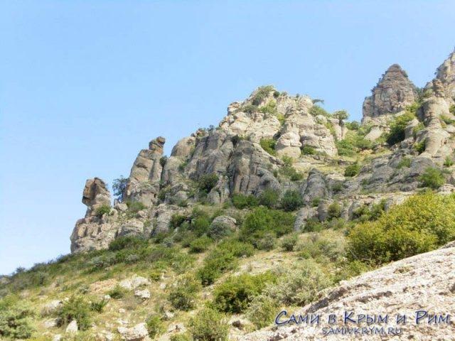 Каменные истуканы Демерджи
