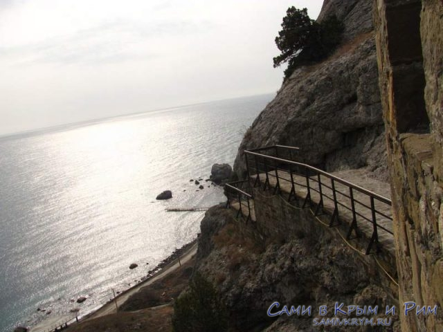 Непреступная Генуэзская-крепость