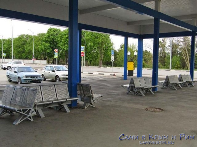 Опустевший автовокзал